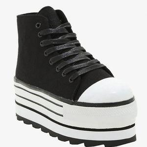 YRU Cute to the Core Elevation Platform Sneakers 9